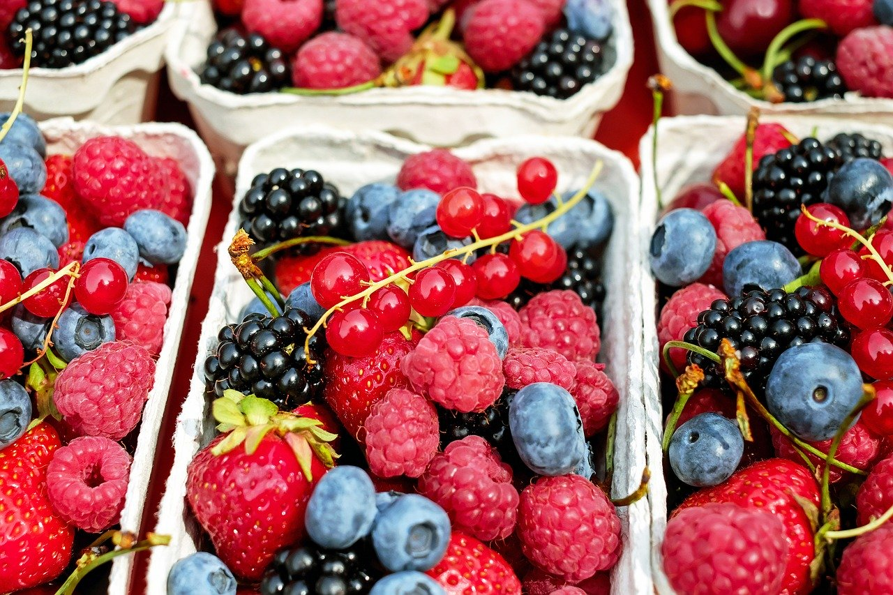 berries, raspberries, fruit